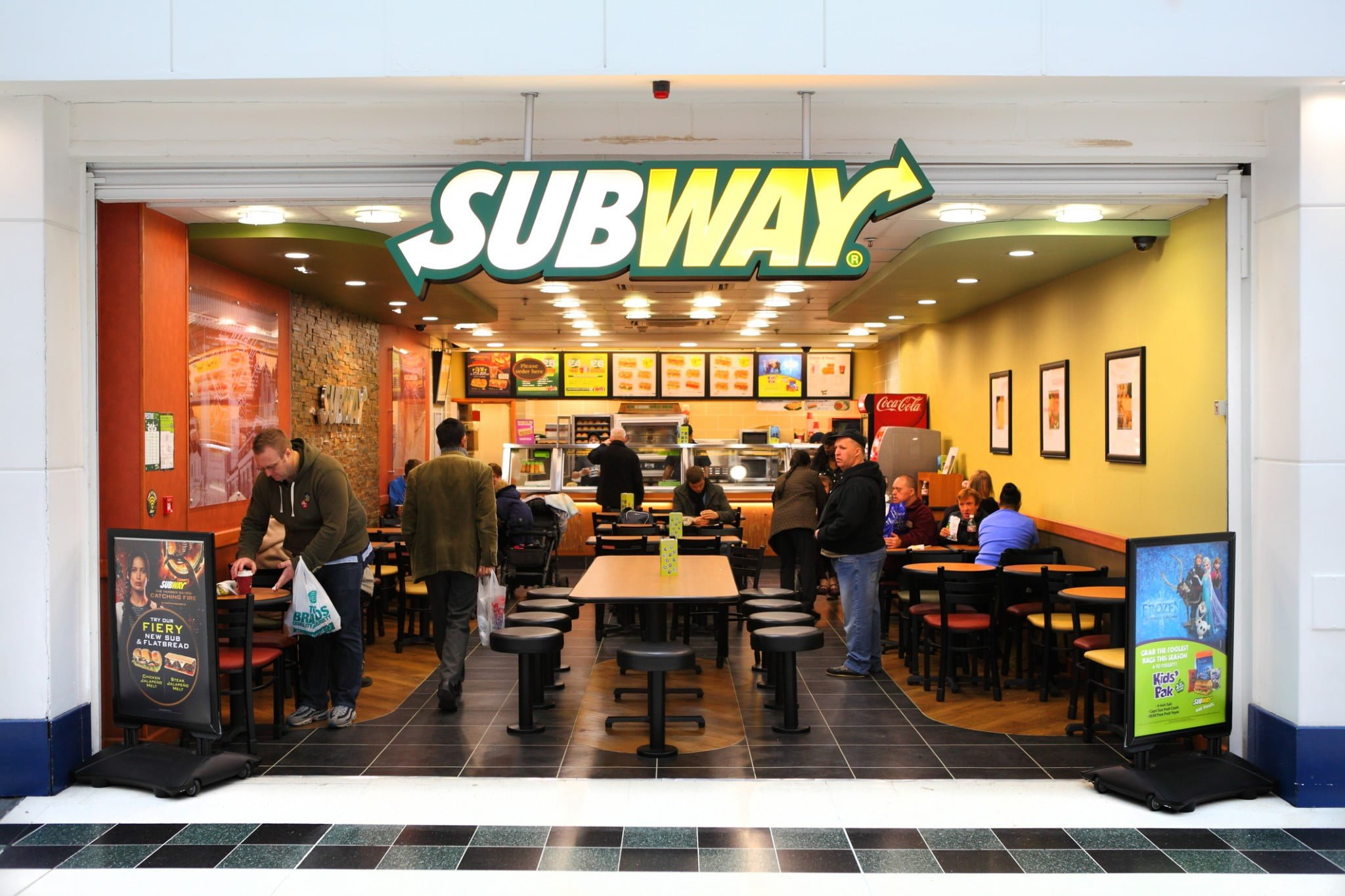 subway restaurants The founder of 'subway' fred deluca started off in the food industry by opening a sandwich shop at the age of 17 in order to raise funds for paying his college fees.