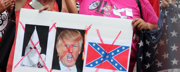 Muslims, Latinos Stage 'Flash Orgy' outside Trump HQ