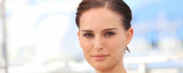 Natalie Portman Joins BDS, Boycotts Herself