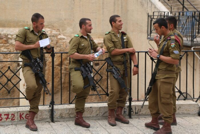 Activists Leave Birthright Trip to Protest Lack of Hot Israeli Soldiers - The Mideast Beast