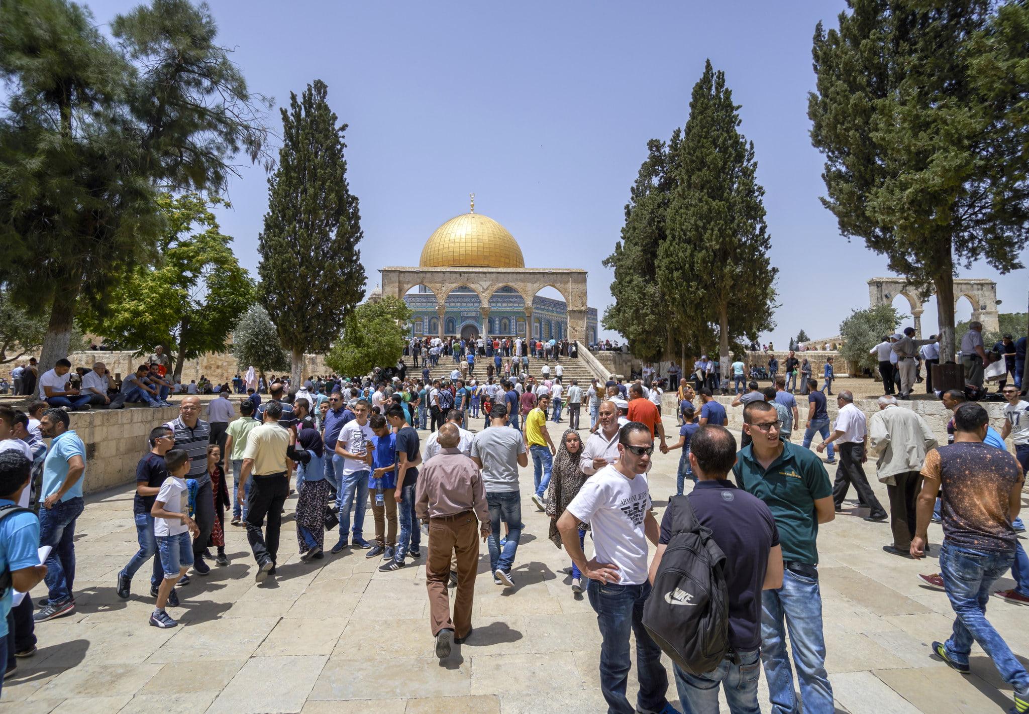 Israel Allows Muslim Public Prayer Gatherings During Pandemic